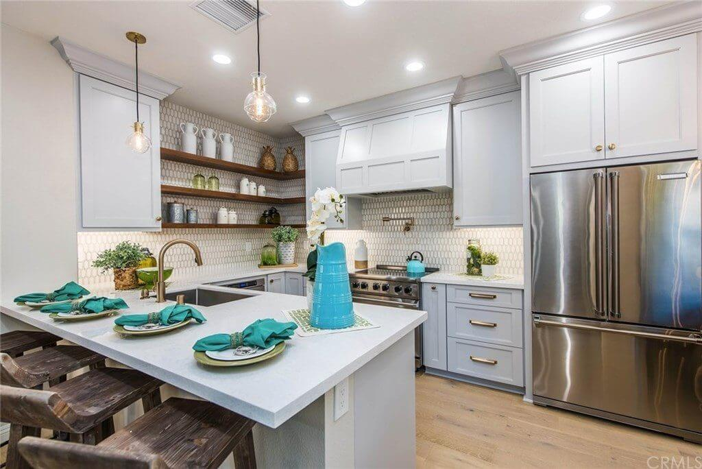 Darcy Kempton HGTV's Flip or Flop Simply Stunning Spaces